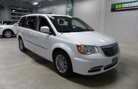 2016 Chrysler Town And Country Touring A/C Gr-Électrique (DVD-MAGS) Bluetooth Cam in New Richmond