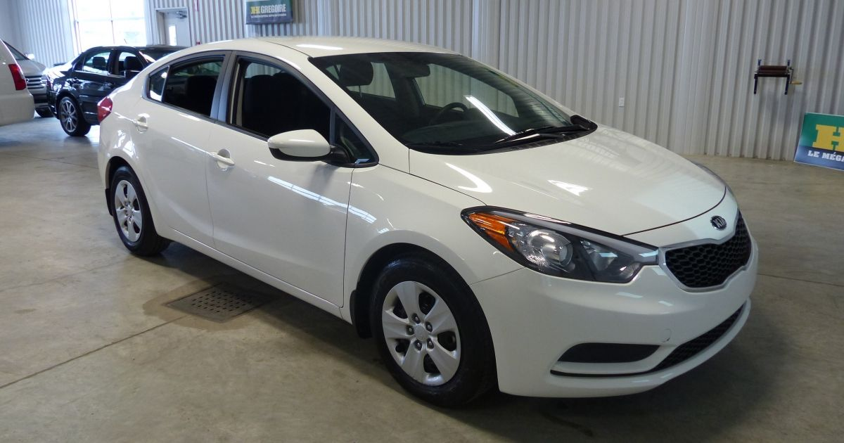 used 2016 kia forte for sale at hgregoire in chicoutimi. Black Bedroom Furniture Sets. Home Design Ideas