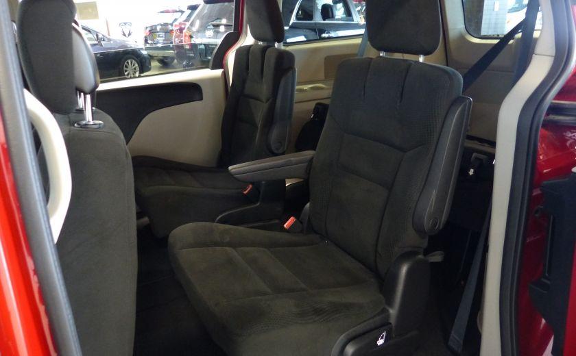 2016 Dodge GR Caravan SXT Sto-N-Go (TV-DVD) #18