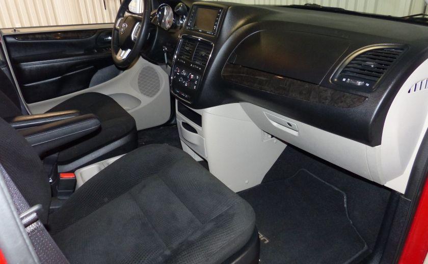 2016 Dodge GR Caravan SXT Sto-N-Go (TV-DVD) #26