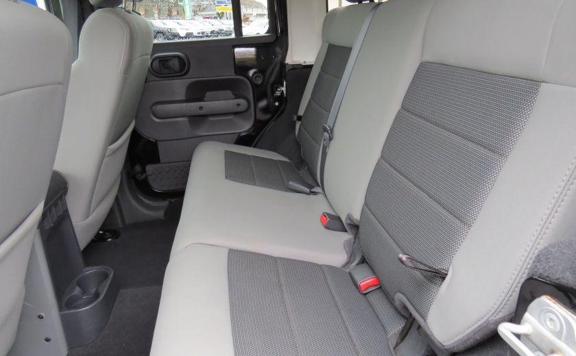 2010 Jeep Wrangler Sahara UNLIMITED AUT 4X4  2 TOIT A/C GR ELECTRIQUE #19
