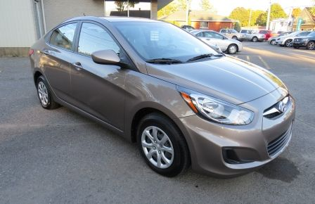 2013 Hyundai Accent L MAN ABS 4 PORTES 1.6 L à New Richmond