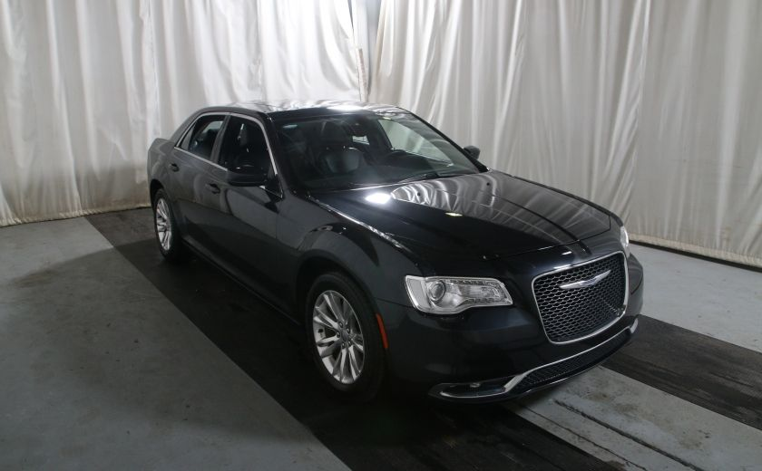 2016 Chrysler 300 Touring #0