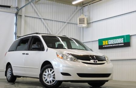 2009 Toyota Sienna CE 7 Places #0