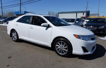 2014 Toyota Camry LE (Toit Ouvrant) #0
